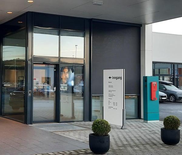 613, 063A1, Bavaria Ålesund, Entrance Sharebox