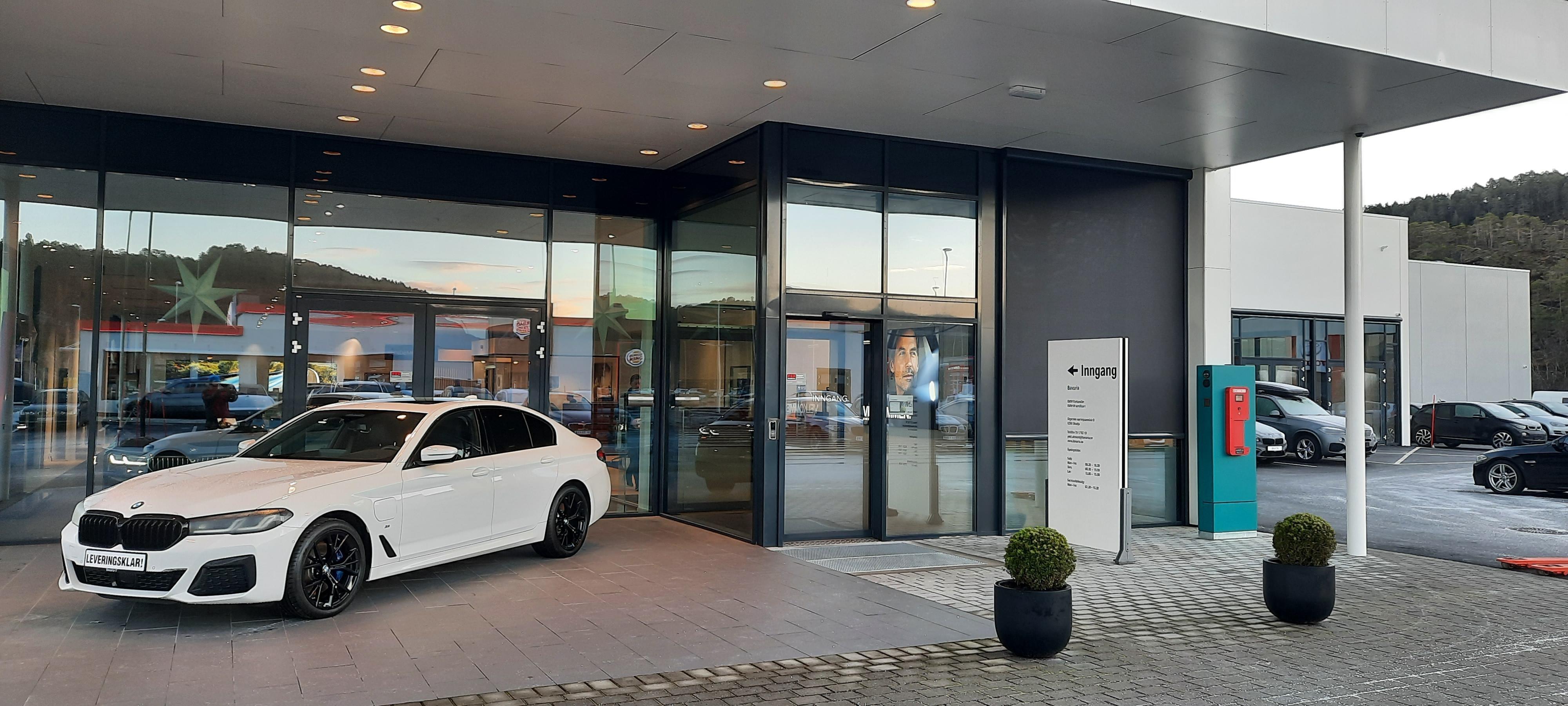 613, 063A1, Bavaria Ålesund, Entrance-2